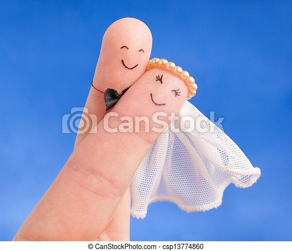 invitation, -, nouveaux mariés, mariage, carte, bon, doigts, peint, mariés, juste, ciel bleu, usage, contre, concept - csp13774860