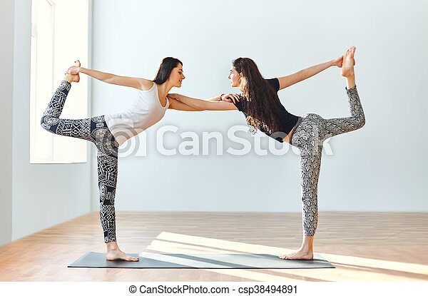 ioga dan a posa dois jovem asana senhor mulheres ioga pose dan a dois jovem. Black Bedroom Furniture Sets. Home Design Ideas
