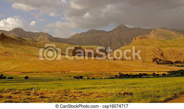Iraqi mountains in autonomous Kurdistan region near Iran - csp16074717