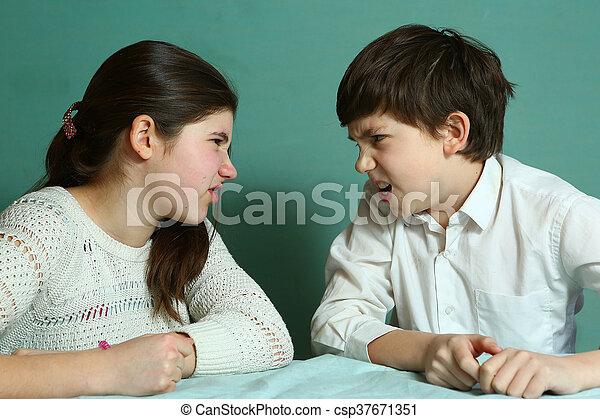 irmãs, irmã, irmão, discutir - csp37671351