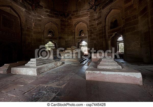 La tumba de Isa Khan - csp7445428