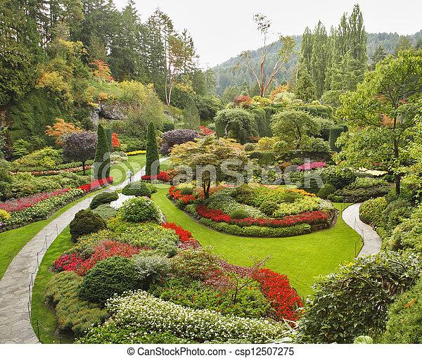 El jardín hundido en la isla Vancouver - csp12507275