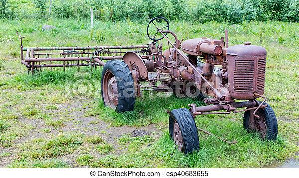 island, gammal, traktor - csp40683655