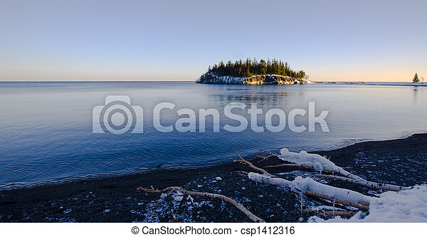 Island in December on the North Shore - csp1412316