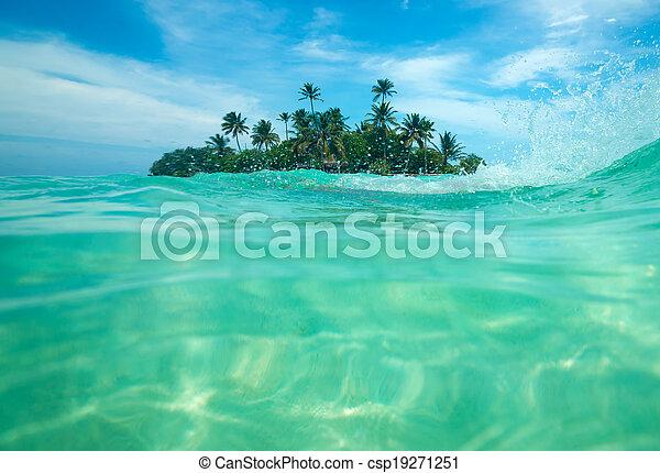 isola tropicale - csp19271251