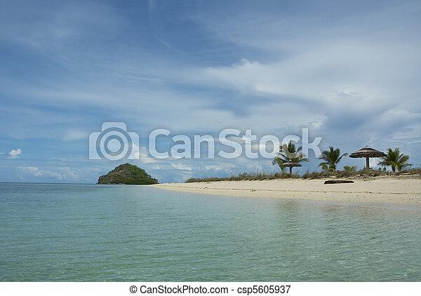 isola tropicale - csp5605937