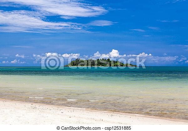 isola tropicale - csp12531885