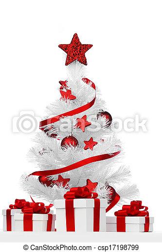 Isolated Christmas tree - csp17198799