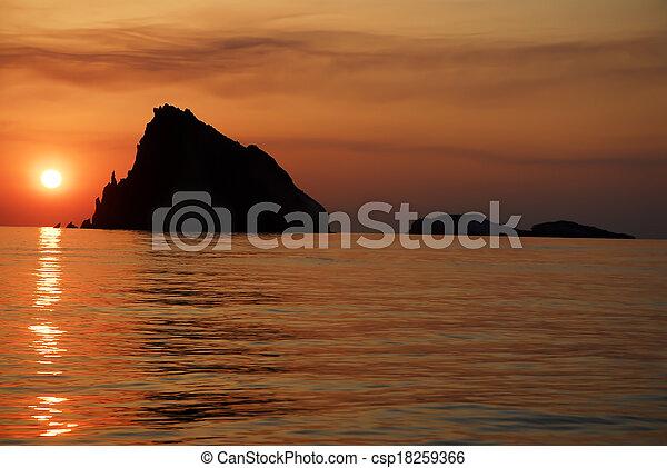 isole, tramonto, eolie - csp18259366