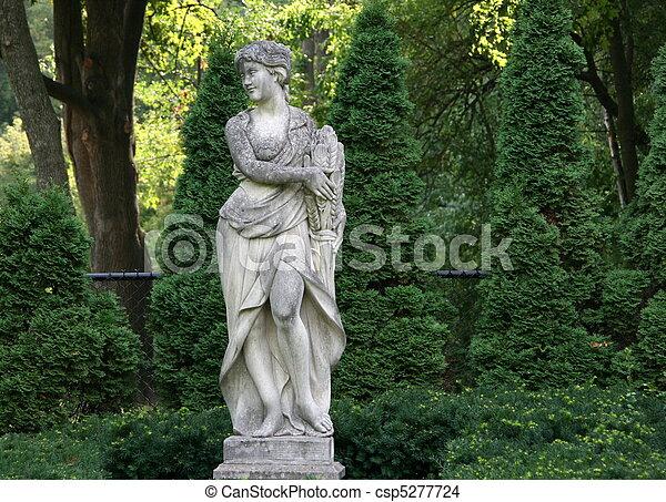 Italian Garden Statue Beautiful Garden Statue In A Italian Style Villa