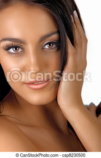 Italian tanned woman with natural make-up - csp8230500