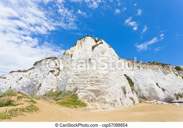 italien, eindrucksvoll, -, tafelkreide, vieste, vieste, klippen, sandstrand - csp57088654