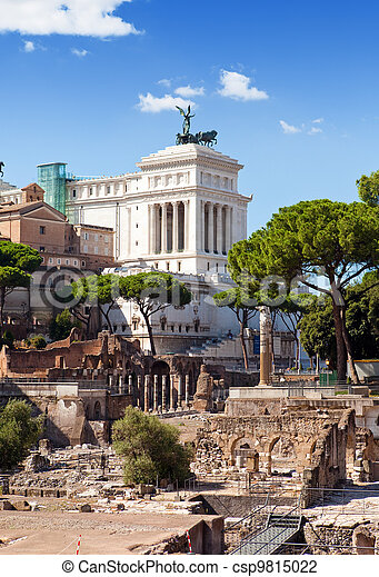Italy. Rome. Ruins of a forum and Vittoriano - csp9815022