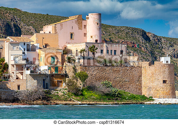 Italy. Sicily. Castellammare del Golfo. - csp81316674