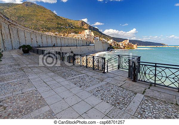 Italy. Sicily. Castellammare del Golfo. - csp68701257