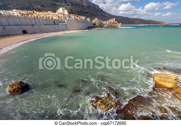 Italy. Sicily. Castellammare del Golfo. - csp67172695