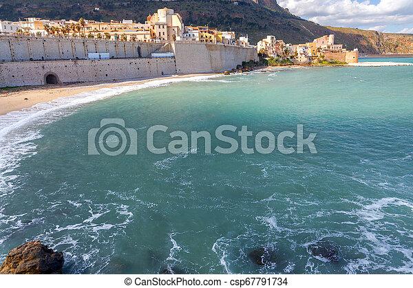 Italy. Sicily. Castellammare del Golfo. - csp67791734