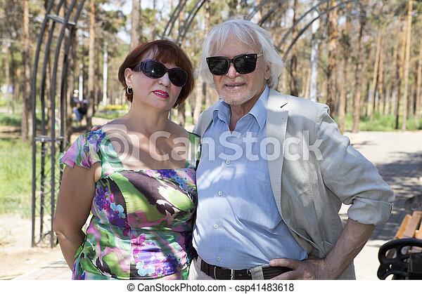 jár, férj, öregedő, feleség - csp41483618