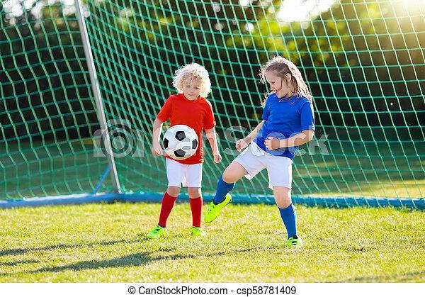 játék, gyerekek, football., field., gyermek, futball - csp58781409