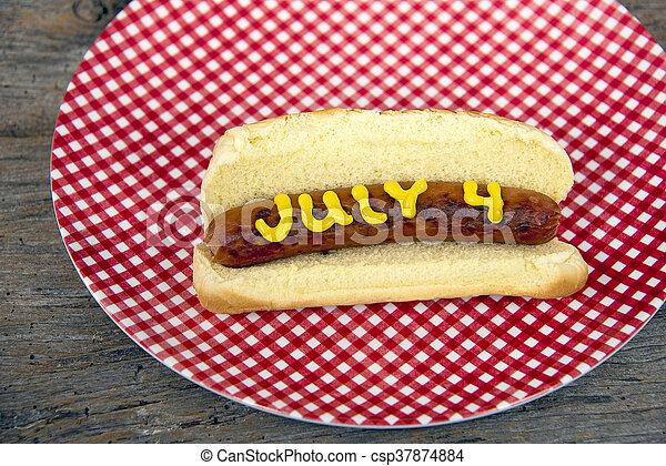 július, csípős, negyedik, kutya - csp37874884