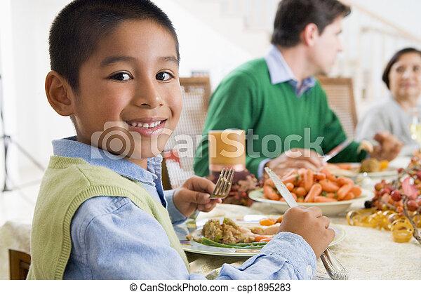 jantar, todos ao mesmo tempo, natal familiar - csp1895283