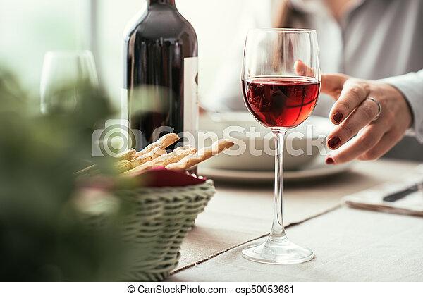 jantar, vinho, multa, provando - csp50053681