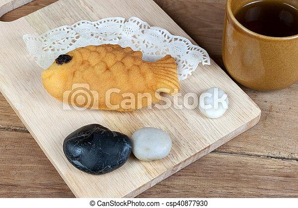 Japanese Fish Shaped Pancake   Csp40877930