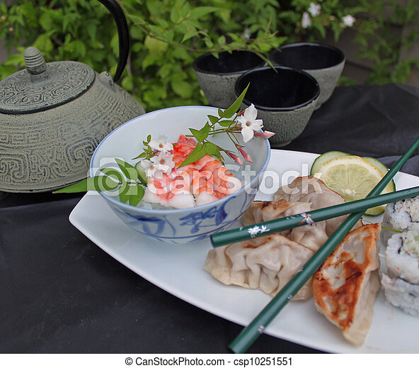 Japanese sushi platter. - csp10251551