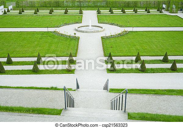 jardin fontaine, & - csp21563323