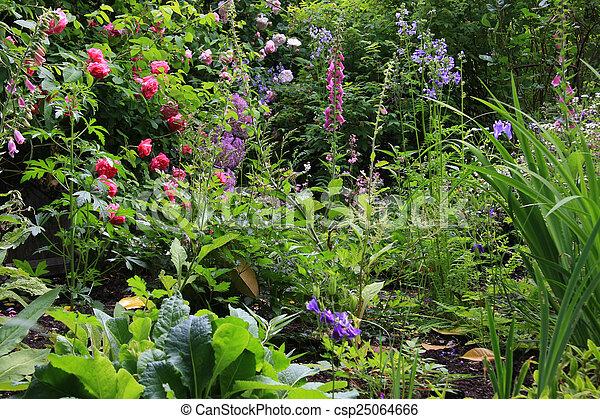 jardin petite maison, anglaise - csp25064666