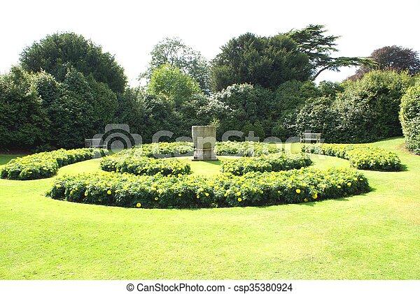 jardin - csp35380924