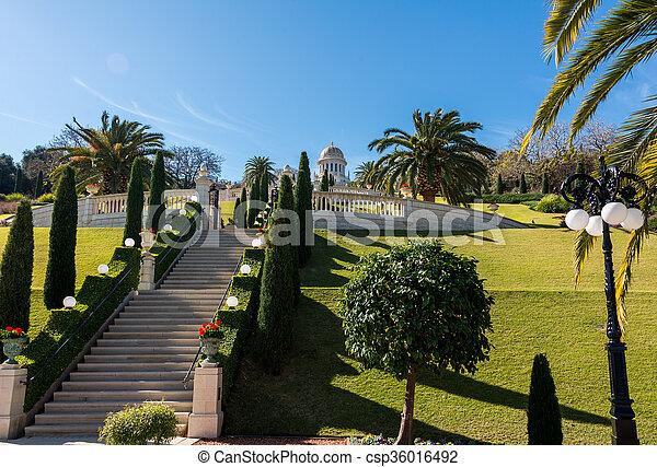 Jardines Bahai - csp36016492