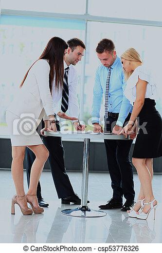 jeho, business potkat, běžet, -, správce, discussing, kolega. - csp53776326