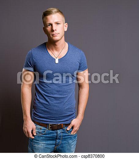 jelentékeny, hím, model., fiatal - csp8370800