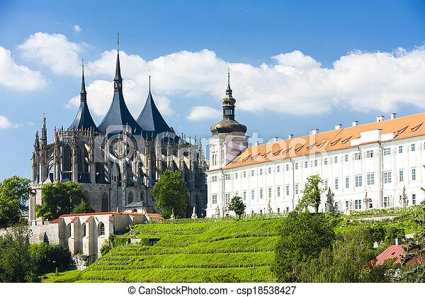 Catedral de St. Barbara y Jesuita College, Kutna hora, czech Republic - csp18538427