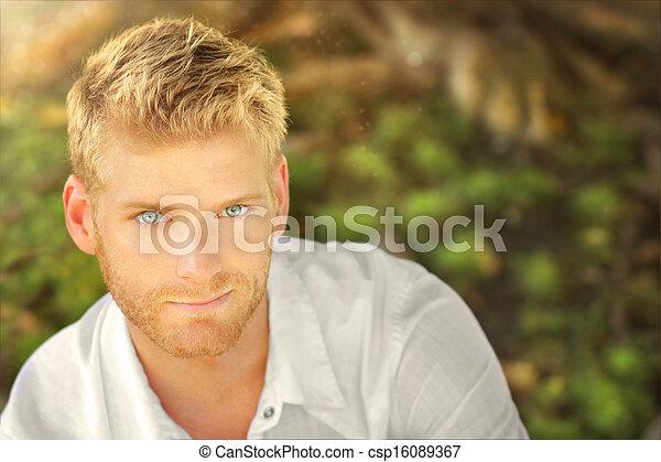 jeune homme - csp16089367
