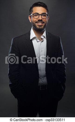 jeune, lunettes, costume noir, homme, beau - csp33133511