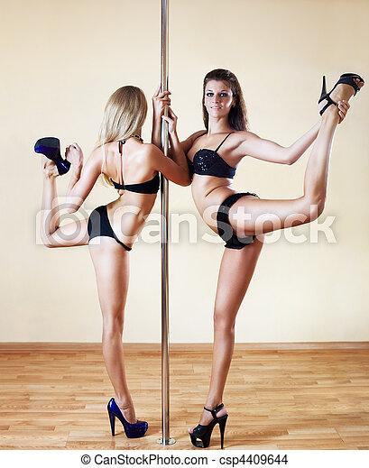 jeune, sexy, deux femmes - csp4409644