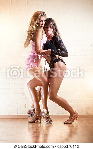 jeune, sexy, deux femmes - csp5376112