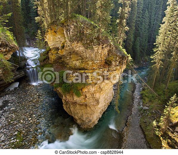 Johnston Canyon, Banff - csp8828944