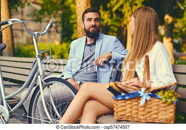 jouir de, couple, park., banc pique-nique - csp57474507