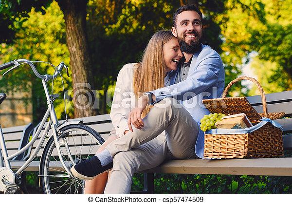 jouir de, couple, park., banc pique-nique - csp57474509