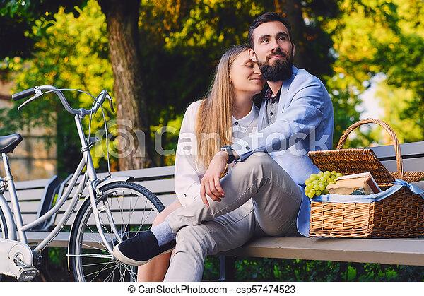 jouir de, couple, park., banc pique-nique - csp57474523