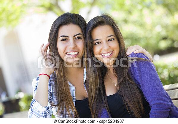 joven, carrera, adulto, hembra, mezclado, retrato, amigos - csp15204987