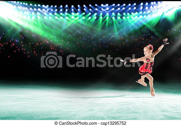 Actuación de jóvenes patinadores, espectáculo de hielo - csp13295752