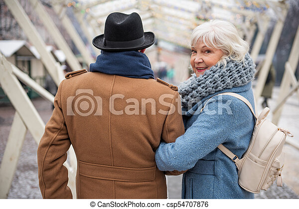 Man old for lady looking What Do