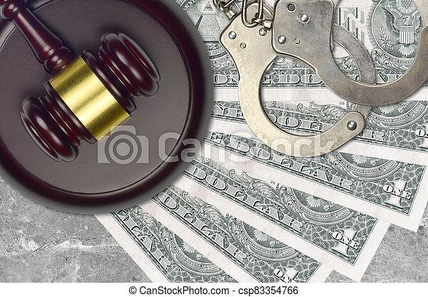 judiciaire, concept, 1, police, juge évaluation, factures, impôt, ou, tribunal, nous, menottes, dollar, marteau, desk., bribery., action éviter - csp83354766