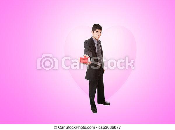 Un joven apuesto vestido de corazón - csp3086877