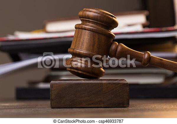 juge, dossier, marteau, table - csp46933787