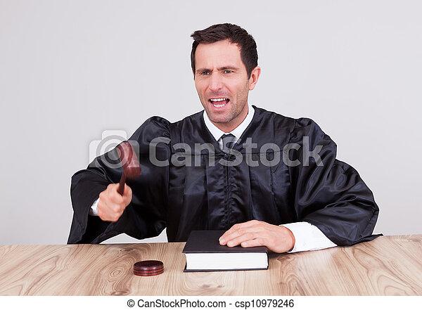 juge, mâle, salle audience - csp10979246